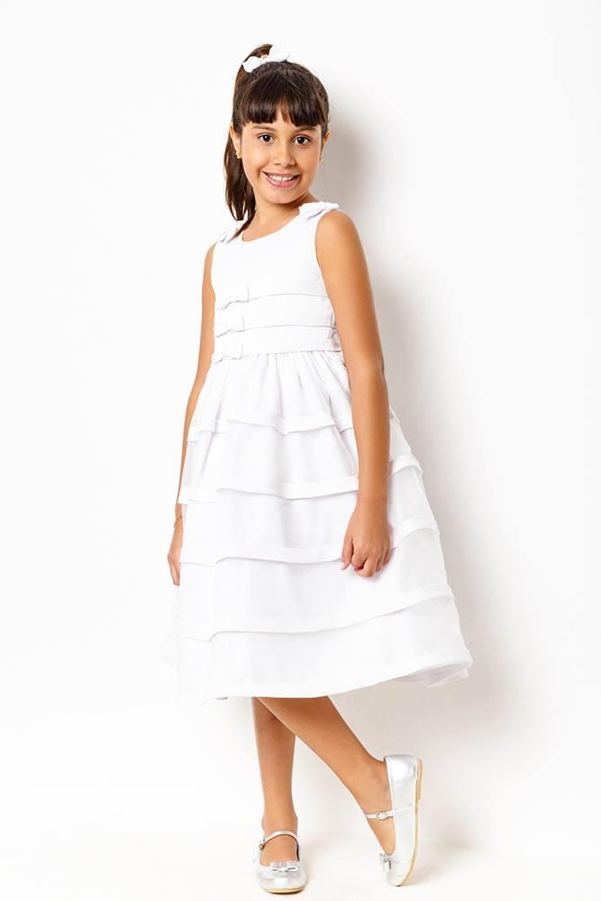 vestido_branco_com_detalhes_em_lacos